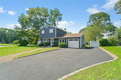 60 JANICE LN, Selden, NY 11784 - Photo 2