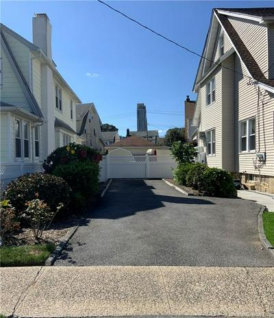 74 STEPHENSON BLVD, New Rochelle, NY 10801 - Photo 2
