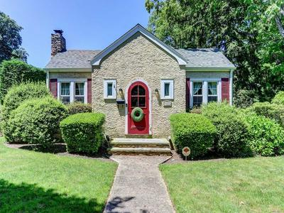 487 PETERS BLVD, Brightwaters, NY 11718 - Photo 1