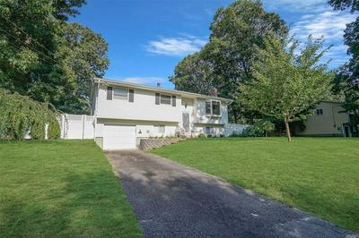 29 CEDAR GROVE AVE, Lake Grove, NY 11755 - Photo 2