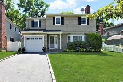 7 DEAUVILLE CT, Northport, NY 11768 - Photo 1