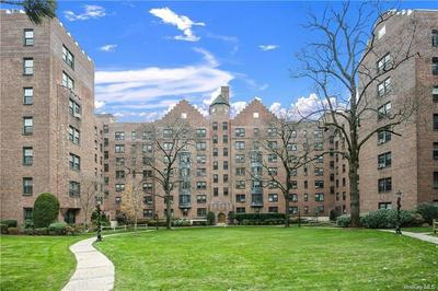 192 GARTH RD APT 3P, Scarsdale, NY 10583 - Photo 1