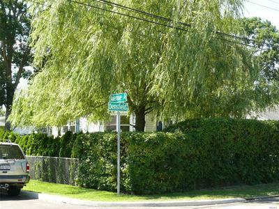 694 DENSFIELD RD, West Babylon, NY 11704 - Photo 2