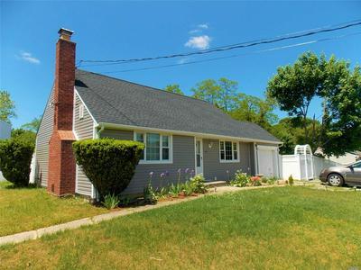 326 RANDALL RD, Ridge, NY 11961 - Photo 2