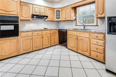 385 KENNICUT HILL RD, Carmel, NY 10541 - Photo 2