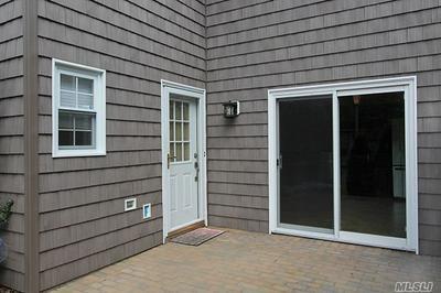 10 CLUB HOUSE CT, Woodbury, NY 11797 - Photo 2