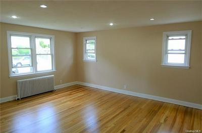 132 CHASE AVE APT 1, Yonkers, NY 10703 - Photo 2