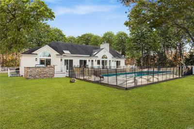 3 OLD FIELDS LN, Quogue, NY 11959 - Photo 1