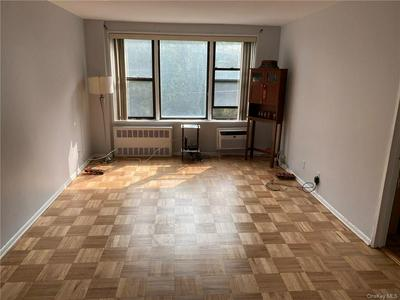 575 BRONX RIVER RD APT 3E, Yonkers, NY 10704 - Photo 2