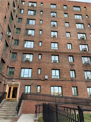 2130 E TREMONT AVE APT 3C, BRONX, NY 10462 - Photo 1