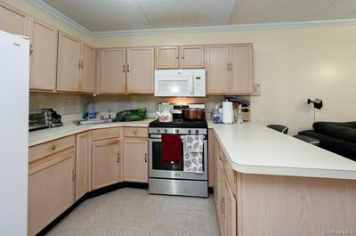 654 UNDERHILL AVE, BRONX, NY 10473 - Photo 2