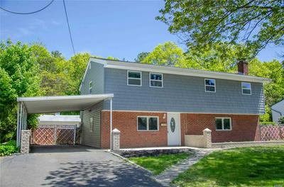 7 PATRICIA RD, East Patchogue, NY 11772 - Photo 2