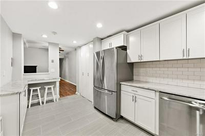 25 FRANKLIN AVE APT 1E, WHITE PLAINS, NY 10601 - Photo 2