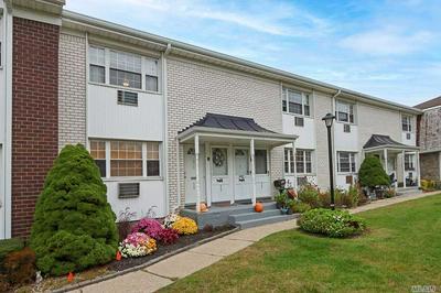 4725 WILSHIRE LN, Oakdale, NY 11769 - Photo 2