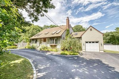 453 MORICHES MIDDLE ISLAND RD, Manorville, NY 11949 - Photo 1