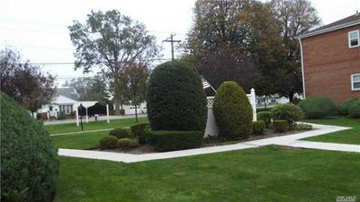 315 HICKSVILLE RD APT 7, Bethpage, NY 11714 - Photo 2