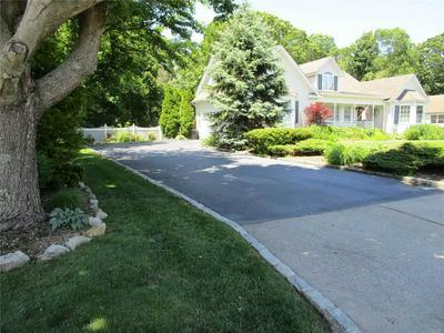40 JAMES HAWKINS RD, Moriches, NY 11955 - Photo 2