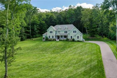 1 BROOK HOLLOW CT, Somers, NY 10536 - Photo 2