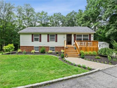 54 BOSWELL RD, Putnam Valley, NY 10579 - Photo 2