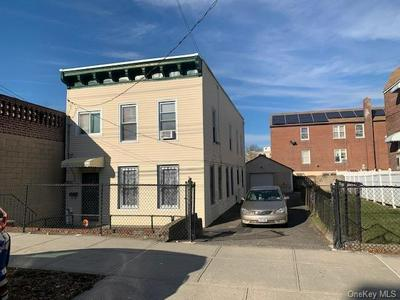 985 DUNCAN ST, BRONX, NY 10469 - Photo 2