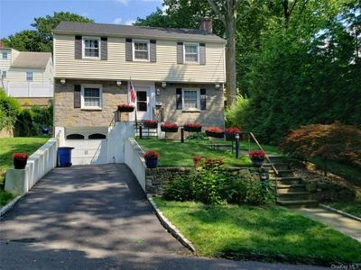 10 FAIRWAY DR, Eastchester, NY 10709 - Photo 1