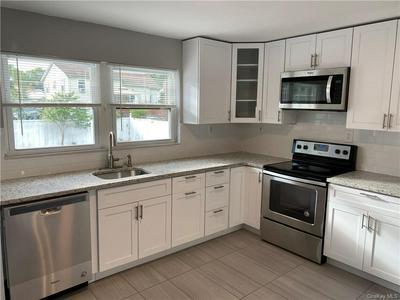 48 MERILINE AVE, New Windsor, NY 12553 - Photo 2