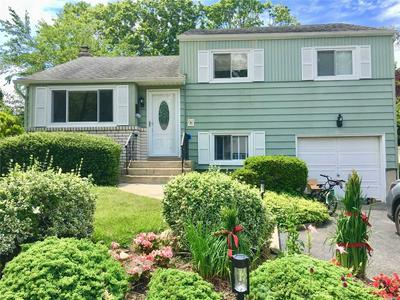26 BRIARWOOD LN, Plainview, NY 11803 - Photo 1