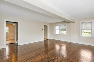 54 MIDWOOD AVE, YONKERS, NY 10701 - Photo 2