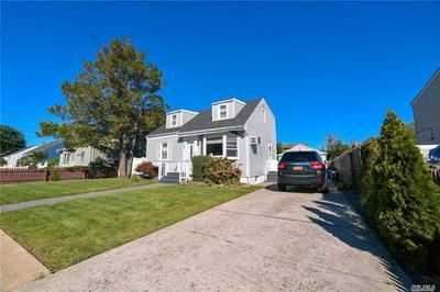409 FERNDALE CT, Copiague, NY 11726 - Photo 2