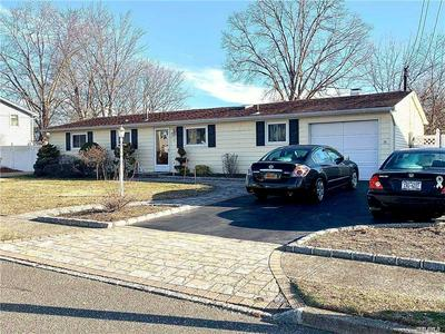11 WINDHAM LN, Ronkonkoma, NY 11779 - Photo 1
