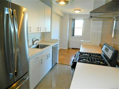 30 LAKE ST APT 7G, White Plains, NY 10603 - Photo 2