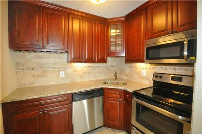 128 COLONIAL PKWY APT 4A, Yonkers, NY 10710 - Photo 1