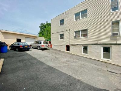 1071 WHITE PLAINS RD, BRONX, NY 10472 - Photo 2