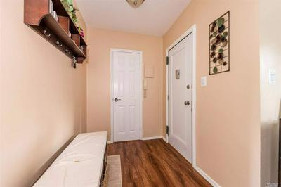 23 EDWARDS ST APT 1A, Roslyn Heights, NY 11577 - Photo 2