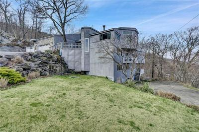 21 HEMLOCK HL, Greenwood Lake, NY 10925 - Photo 2