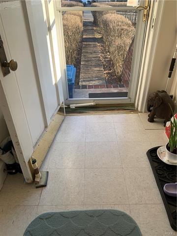 39 EWING AVE, SPRING VALLEY, NY 10977 - Photo 2