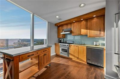 5 RENAISSANCE SQ APT 28E, White Plains, NY 10601 - Photo 2