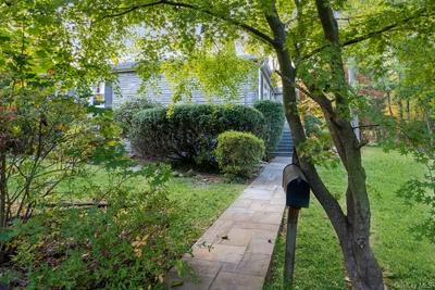 3 SUNSET LN, Hartsdale, NY 10530 - Photo 2