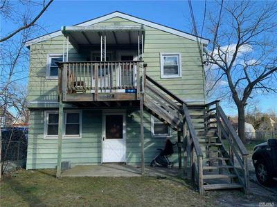 224 OLD QUOGUE RD, Riverhead, NY 11901 - Photo 1