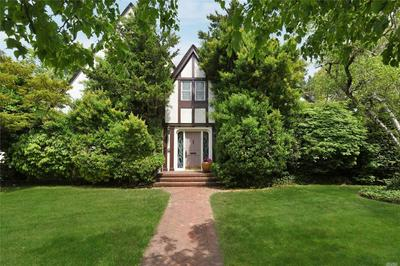 960 GREENFIELD RD, Woodmere, NY 11598 - Photo 1