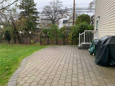 365 DEAUVILLE BLVD, Copiague, NY 11726 - Photo 2