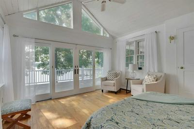 1685 WESTVIEW DR, Mattituck, NY 11952 - Photo 2