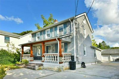 26 KENNEDY RD, Roslyn Heights, NY 11577 - Photo 2