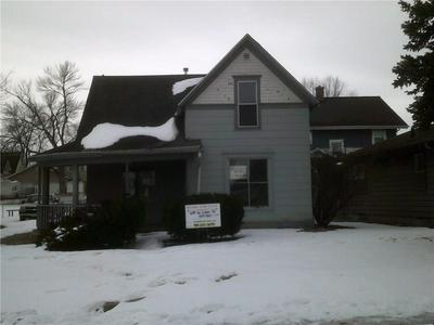 614 W LINN ST, MARSHALLTOWN, IA 50158 - Photo 1