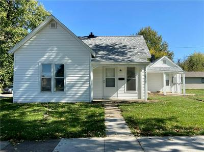 413 N SHERMAN ST, Knoxville, IA 50138 - Photo 2