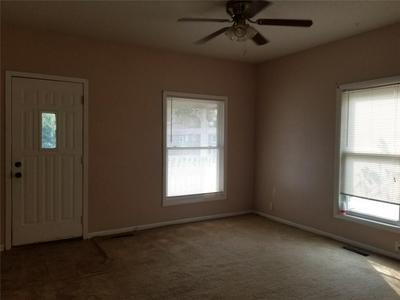 713 W MADISON ST, Knoxville, IA 50138 - Photo 2