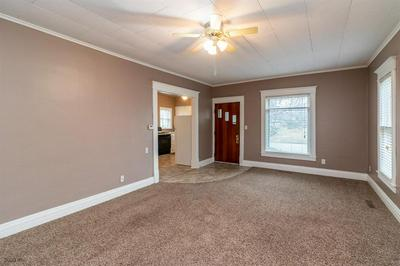 1011 EVELYN ST, PERRY, IA 50220 - Photo 2