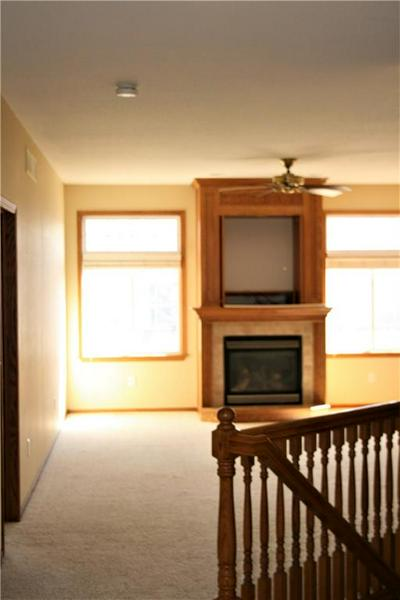 119 PETERSON PKWY, MADRID, IA 50156 - Photo 2