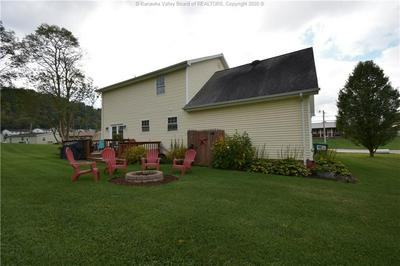 14 BURMAN AVE, Poca, WV 25159 - Photo 2