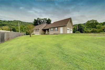 5329 DALEWOOD DR, Cross Lanes, WV 25313 - Photo 2
